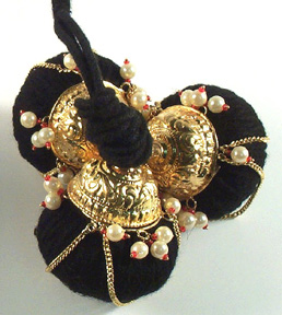 Round Kunjam with stones or pearls